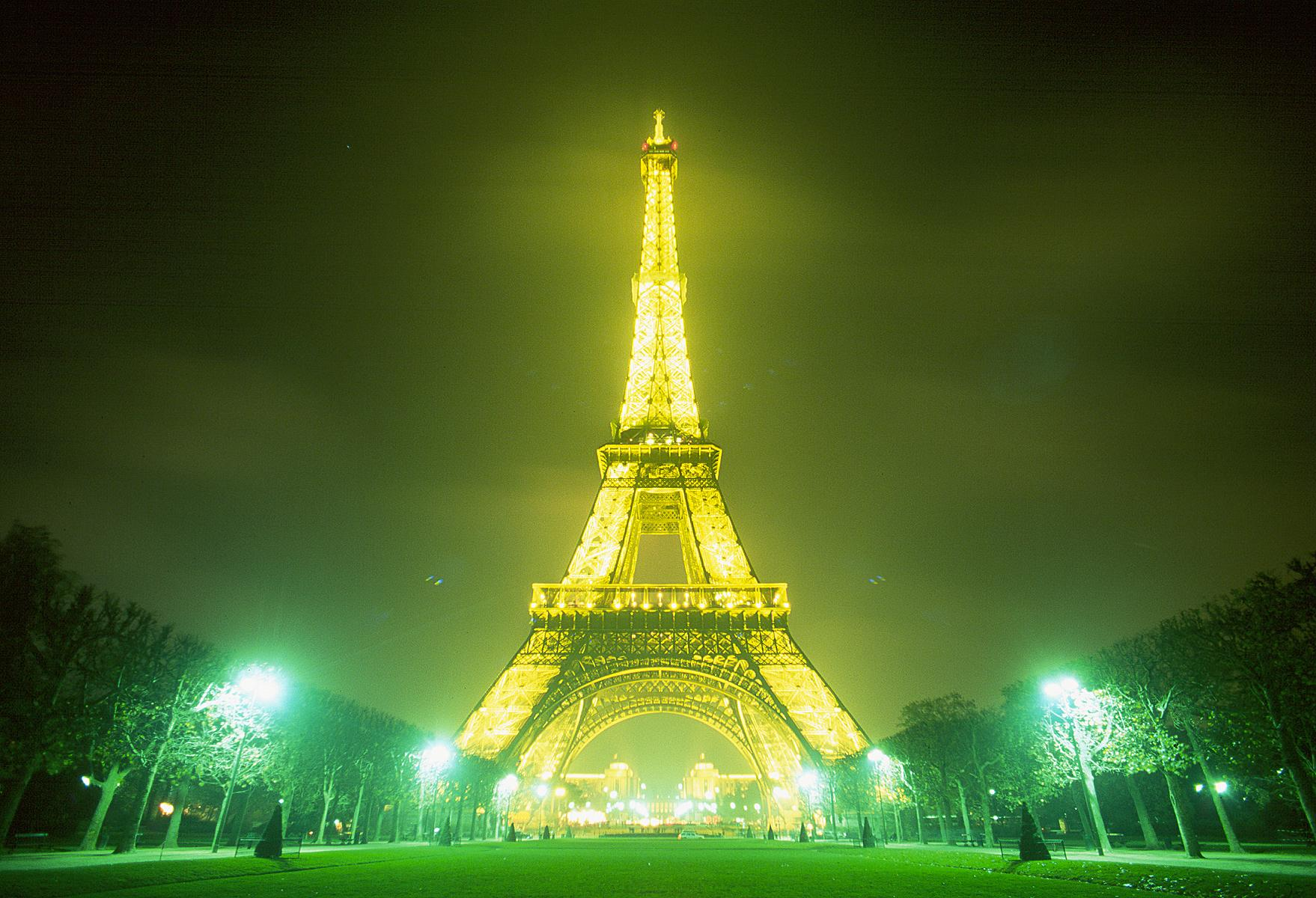Eiffel tower night wallpaper